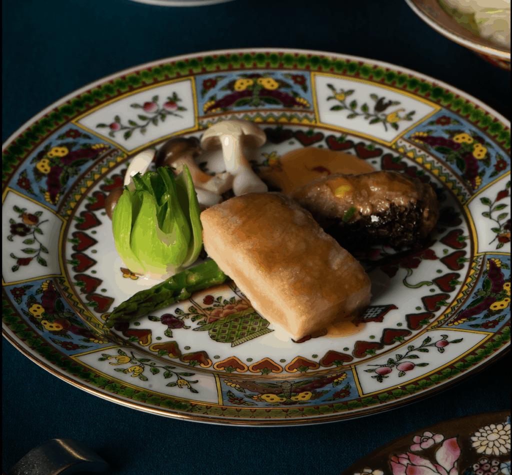 © 逸东轩(香港逸东酒店)—— 羊肚菌酿新猪肉伴柚皮