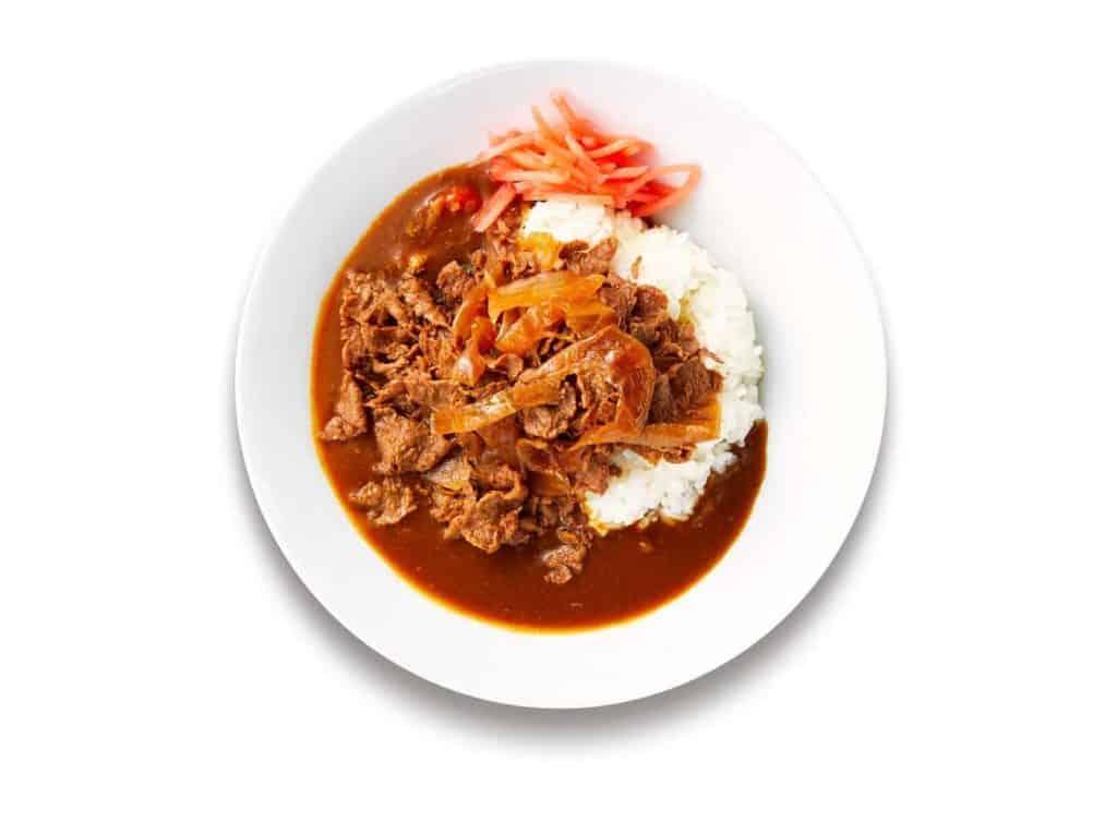 这是一份采用日本植物肉品牌Next Meats入馔的纯素牛肉碗,日本宜家家居有售。
